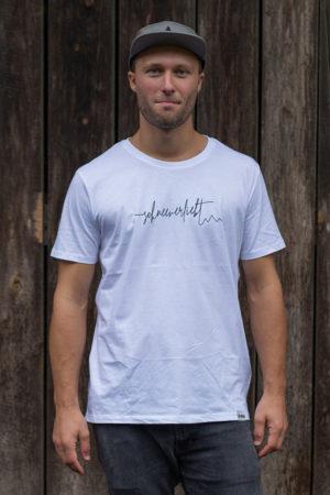 """Schneeverliebt Shirt """"Firstline"""" in weiß mit schwarzem Aufdruck"""