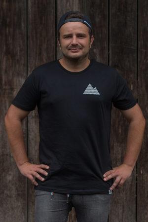 """Schneeverliebt Shirt """"Geradlinig"""" in schwarz"""