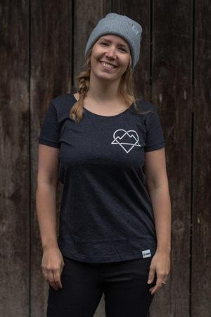"""Schneeverliebt Shirt """"Ewige Liebe"""" in Heather Black"""